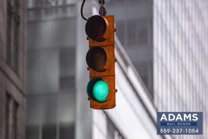 yellow-traffic-lights-in-california